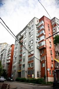 Комплекс по ул.Суворова 59-65 из пяти 10-этажных жилых домов с подземной автостоянкой