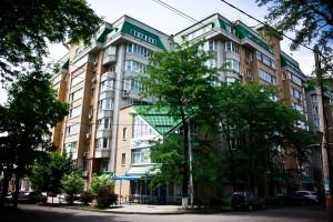 Комплекс по 25-27 линиям и ул.Комсомольской из пяти 10-этажных жилых домов с отдельной 3-уровневой автостооянкой